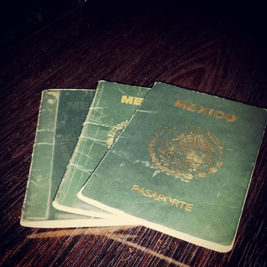 20140613 Manuel Ambriz three passports